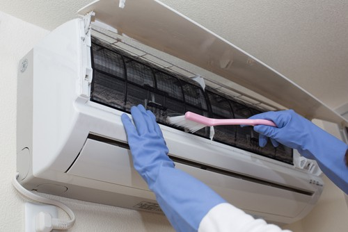 Cleaning the aircon